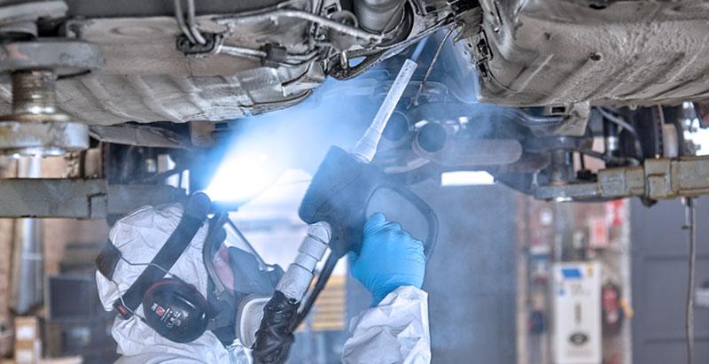 Mercedes-Benz Vorbehandlung mit Trockeneis